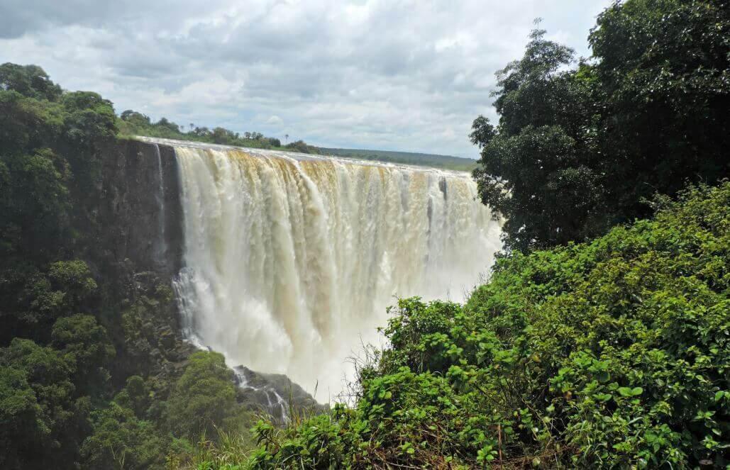 VolunTour 1: זימבבואה/זמביה –שימור אוכלוסיית אריות, מסעות ספארי, מפלי ויקטוריה