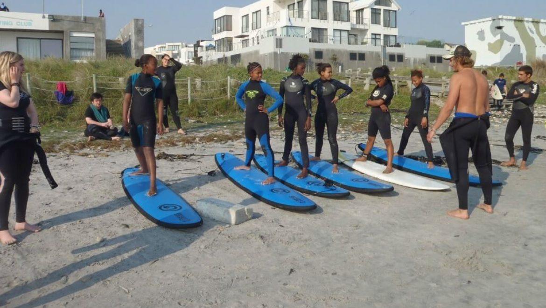 דרום אפריקה – פעילות עם ילדים, גלישת גלים וסקייטבורד בקייפטאון