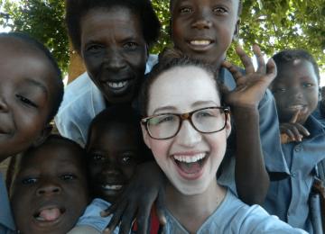 זימבבואה – הוראה ופעילות עם יתומים במפלי ויקטוריה