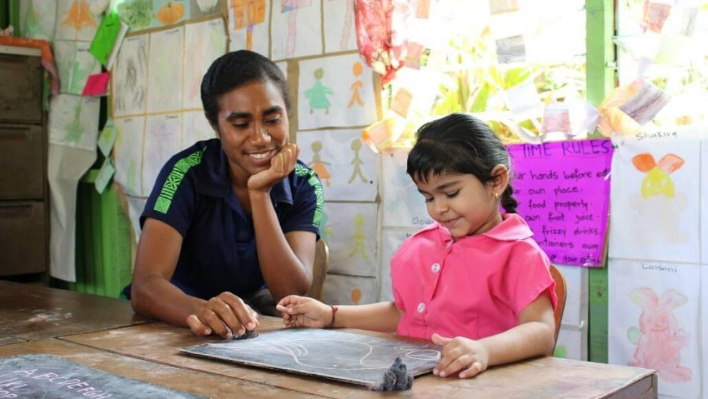 פיג'י – פעילות עם ילדים בסובה בירת פיג'י